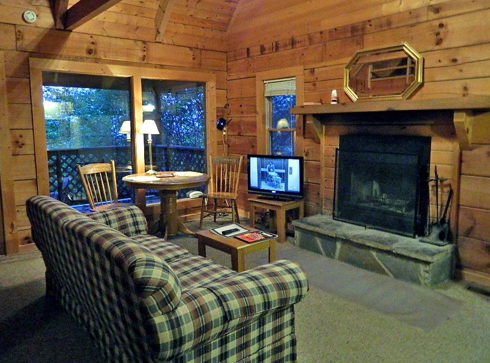 main tn your for accomodations the tcl gatlinburg luxury affordable finest twin in smoky cedar cabins